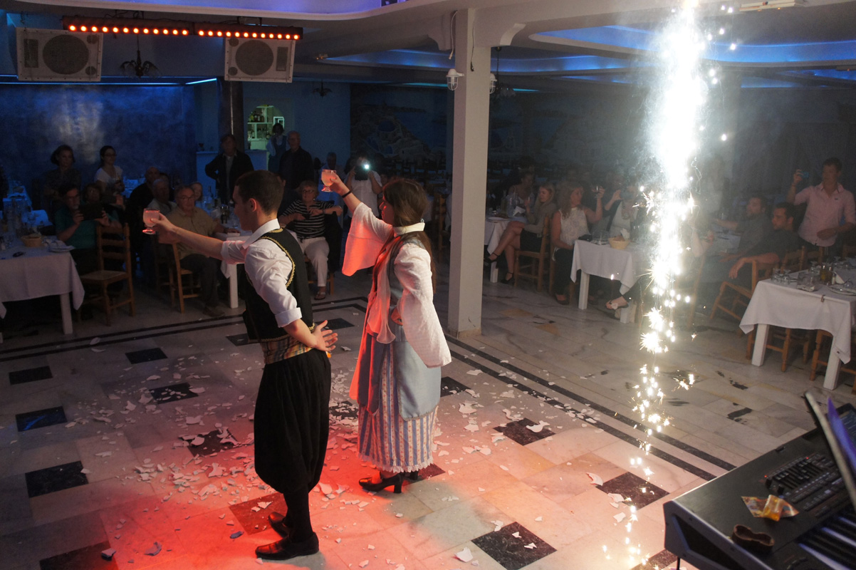 santorini restaurant dimitris greek nights (9)